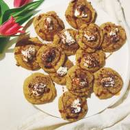 Bananowe ciasteczka z cieciorki o smaku białej czekolady