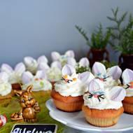 Muffinki - zajączki z ricottą i kremem śmietankowym