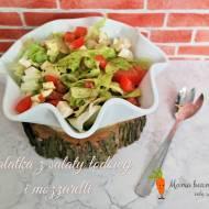 Sałatka z sałaty lodowej i mozzarelli