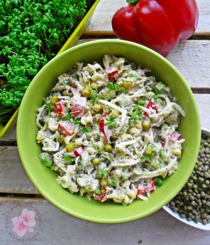 Sałatka z tuńczykiem i fasolą mung