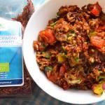 Czerwony ryż z warzywami i mozzarellą