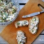 Pasta na kanapki - twaróg z wędzoną makrelą