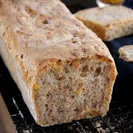 Chleb pszenny z żytem, kukurydzą i fistaszkami