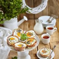 Zapiekane babeczki z szyneczki, jajka i pieczarek