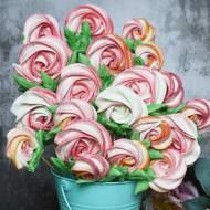 Bezowy bukiet róż