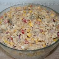 Sałatka z tuńczykiem i makaronem ryżowym