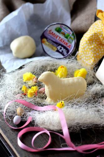 Domowe masło ze śmietanki 42%