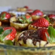 Mini serniczki z truskawkami + film