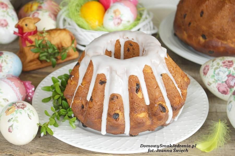 Wielkanocna baba drożdżowa