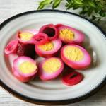 Amish pickled eggs. Jajka marynowane z buraczkami.