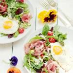 Wielkanocne śniadanie- sałatka szparagowa z jajkiem
