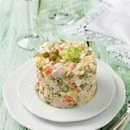 Wielkanocna sałatka warzywna z szynką