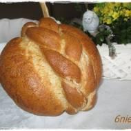 wielkanocny chleb z warkoczem