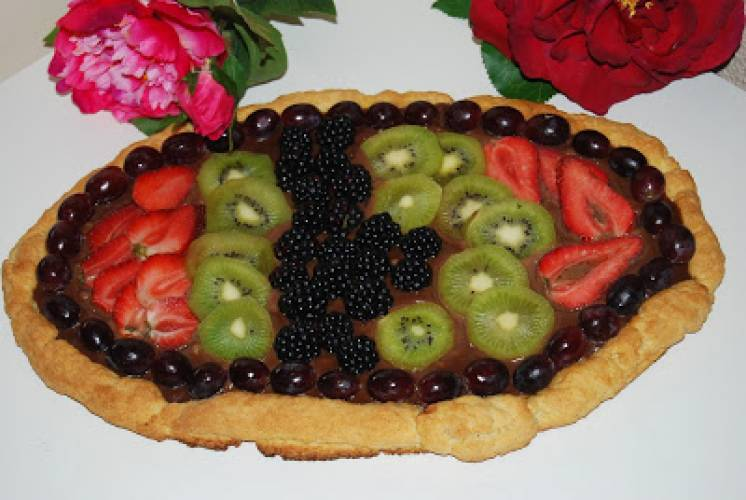 Mazurek czekoladowy z owocami