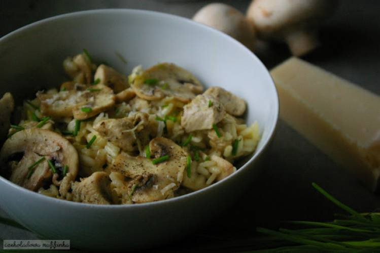 Risotto z ziołowym kurczakiem i pieczarkami