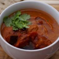 Rozgrzewająca zupa z pieczonych bakłażanów