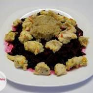 Gotowana pierś kurczaka z komosą ryżową i buraczkami