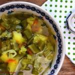 Zupa z młodej kapusty i groszku cukrowego