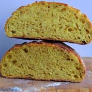 Chleb na dzikich drożdżach z wody dyniowowej z curry i cynamonu