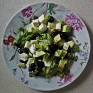Sałatka z awokado i mozarellą