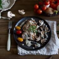 Polędwiczka wieprzowa z pieczarkami i sosem tymiankowym