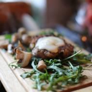 Sznycle z mięsa wołowego z serem