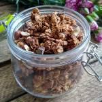 Granola czekoladowa z orzechami