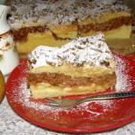 pyszne ciasto ucierane z jabłkami budyniowymi i posypką orzechową...