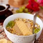Smoothie bowl na mleku kokosowym z kawą zbożową