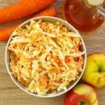 Surówka z kapusty pekińskiej, marchewki i jabłka