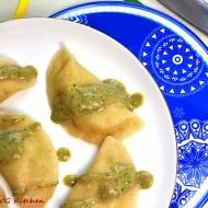 Pierogi z serem korycińskim i sosem z sałaty