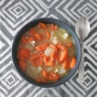Zupa z dużą ilością warzyw, białą kaszą gryczaną zabielana mlekiem kokosowym…