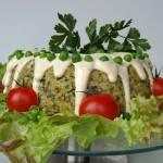 Wiosenna babka jaglana z zielonych warzyw