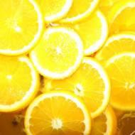 Błyskawiczna nalewka pomarańczowo-goździkowa