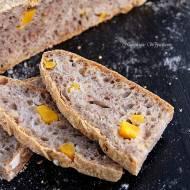 Chleb z dynią i orzechami włoskimi na żytnim zakwasie
