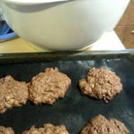Czekoladowe ciasteczka owsiane z siemieniem i słonecznikiem