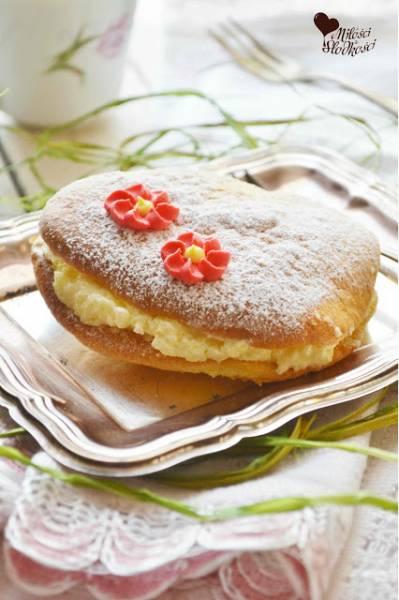 Biszkoptowe ciastka z kremem maślanym