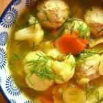 Zupa kalafiorowa z pulpetami drobiowymi