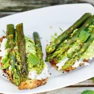 Przepis na kanapki ze szparagami i awokado