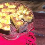 Jaglana tarta czekoladowo-kokosowa z ananasem i żurawiną