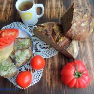 Chleb mieszany wolnorosnący na zakwasie z wody ze śliwek, rodzynków i kminku