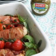 Filety z kurczaka z pesto i suszonymi pomidorami w szynce dojrzewającej