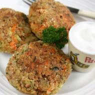 Kotlety z kaszą gryczaną, brokułem i marchewką