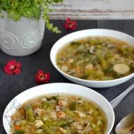 Zupa rybna z pieczarkami, krewetkami, ryżem i warzywami