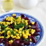 Sałatka z pieczonych  buraczków i kukurydzy