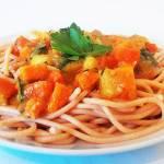 SPAGHETTI WARZYWNE z batatem – wegański sos!