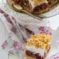 Bezglutenowe kruche ciasto z rabarbarem i pianką