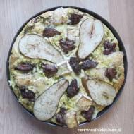 Pizza z wątróbką, gruszką i serem pleśniowym