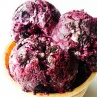 waniliowo-jagodowe lody z ciasteczkami