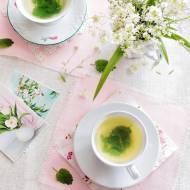 Herbatka ze świeżej melisy